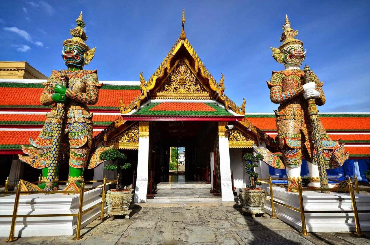 Легендарный Храм Изумрудного Будды в Бангкоке