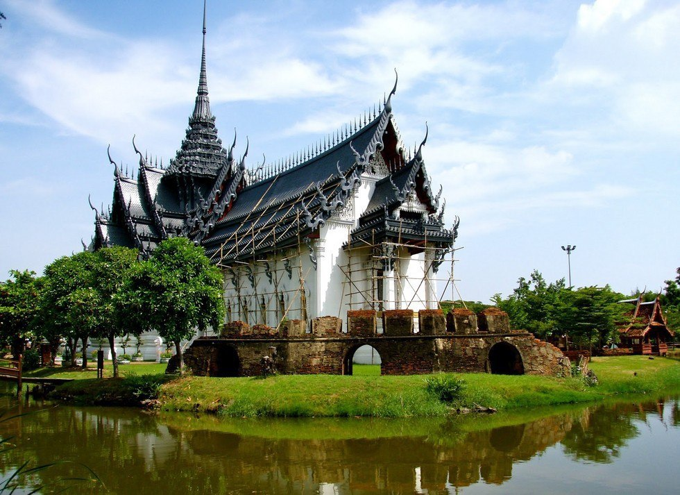 Популярный парк Муанг Боран в Таиланде