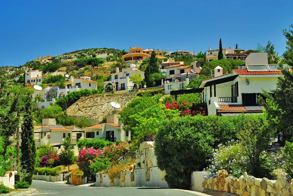 Почему стоит поехать на остров Кипр весной