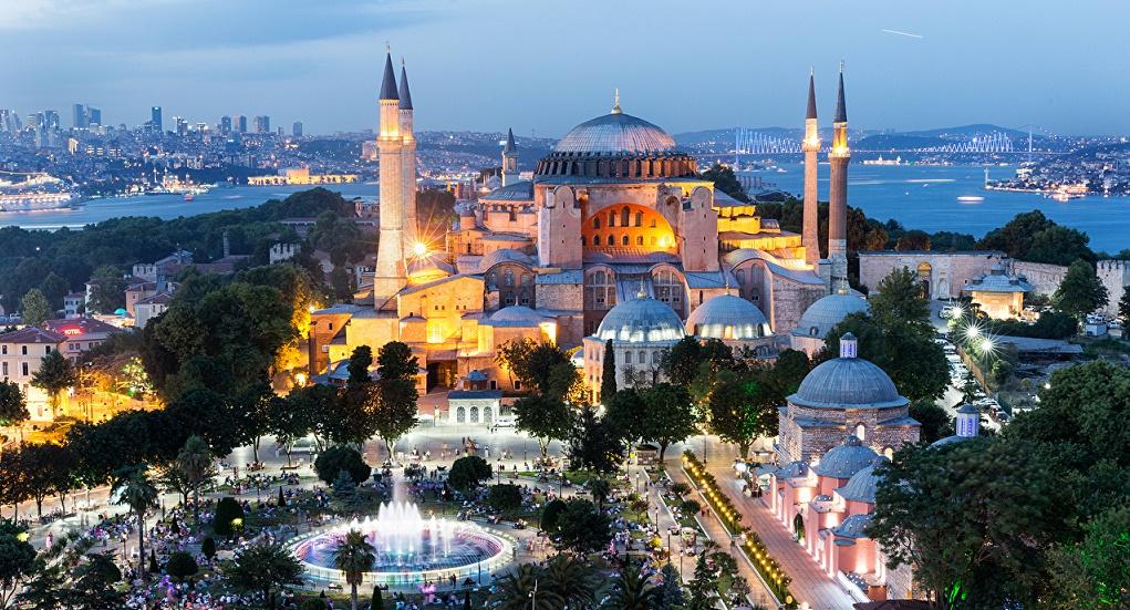 Дворцы и мечети делающие Стамбул самым уникальным городом