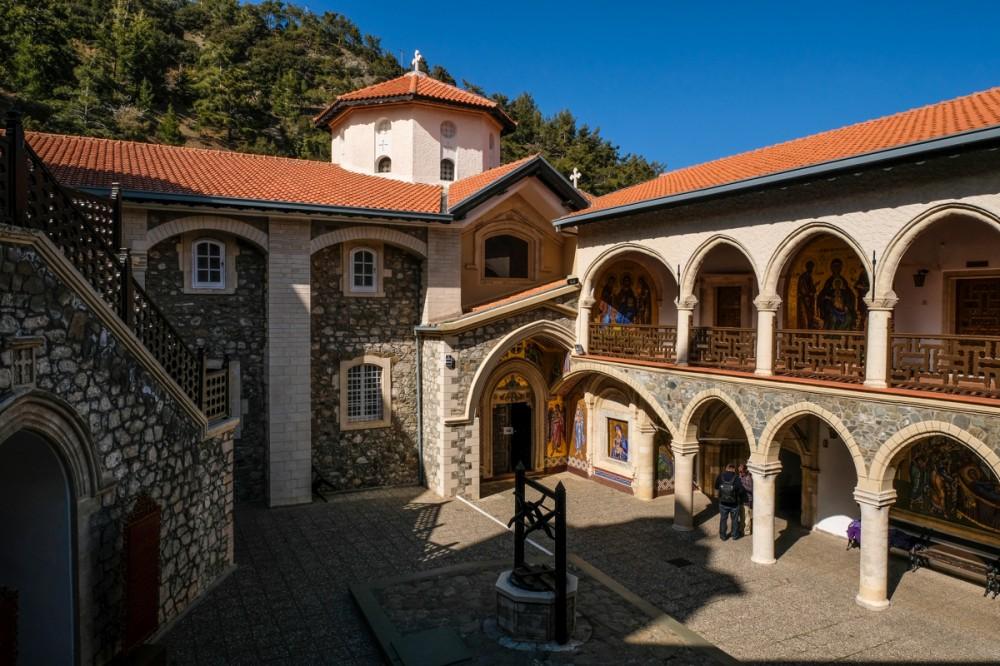 Мужской монастырь Киккос на острове Кипр