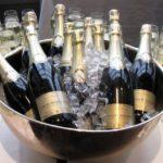 «Аэрофлот» объявил о покупке французского шампанского