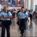 В аэропорту Гонконга ввели спецрежим из-за протестов